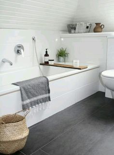 Bath tray and accessories
