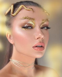 21 - 2019 - 2020 best makeup and nail polish samples - 1 Makeup is an application made with the help of cosmetic products to influence the beauty of a. Make Up Looks, Fairy Makeup, Mermaid Makeup, Medusa Makeup, Makeup Art, Medusa Costume Makeup, Cleopatra Makeup, Egyptian Makeup, Make Up Gold