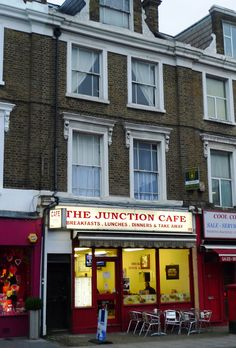 https://flic.kr/p/btZnX6   Junction Cafe, Archway, N19   One of several greasy spoon cafes along this stretch of road.  Address: 95 Junction Road.