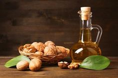 Walnuts are considered as top nuts for brain function. Know about all the health benefits of walnut oil here and spread the message to everyone. Health Facts, Health Tips, Health And Wellness, Walnut Oil Benefits, Health Benefits Of Walnuts, Lower Cholesterol Diet, Natural Skin Care, Vinaigrette, Nutrition