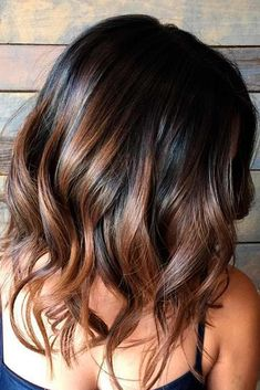28 Incredible Examples of Caramel Balayage on Short Dark Brown Hair.Caramel Balayage on Short Dark Brown HairRecently, most famous lopped […] Brunette Color, Balayage Brunette, Hair Color Balayage, Caramel Balayage, Caramel Hair, Short Balayage, Balayage Hairstyle, Medium Hair Styles, Short Hair Styles