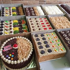 """Selamat pagi tmn"""" dan selamat beraktifitas semuanya... Jgn lupa sarapan yah... . Cake potong uk24 dan uk20 Simple bdaycake uk20 Roll vanilla meses  Makasih yah 😍😍😍 .  Info dan order di WA lsg yah  WA 085276766565 Slow Respon  Order h-3, Jkt only . . . .  #homemade#madebyorder#hobbybaking#sukabaking Mini Cakes, Cupcake Cakes, Cake Cookies, Baking Recipes, Cake Recipes, Patisserie Design, Resep Cake, Candy Drinks, New Cake"""