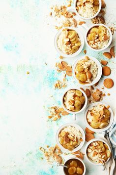 Rice pudding meets banana pudding with this Caramelized Banana Rice Pudding. Banana slices cooked in salted caramel served on top of a creamy rice pudding. Just Desserts, Delicious Desserts, Dessert Recipes, Yummy Food, Pudding Recipes, Mousse, Banana And Rice, Panna Cotta, Creamy Rice Pudding