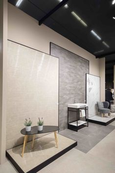Decorative Hardware Agenda: Cersaie 2019 - Cersaie 2019 in Bologna (Italy) is one of the most expected design events among the bathroom design lovers because i Showroom Interior Design, Tile Showroom, Modern Interior Design, Ceramic Store, Bathroom Showrooms, Buy Tile, Tile Stores, Best Bathroom Designs, Cabin Design
