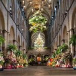 Chichester Cathedral's Festival of Flowers takes place every year ending with an even number! 2014, 2016, 2018.. Truly amazing spectacle - and the scent is heavenly! Stay at #ChichesterSelfCatering and then come home to relax the legs in a hot tub and sauna (and maybe some bubbles!) 07769 746113 www.chichesterselfcatering.co.uk