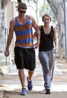 8x10 GLOSSY Photo Picture IMAGE #4 Liam Hemsworth 8 x 10