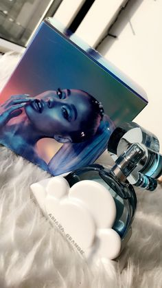 Ari Perfume, Perfume Scents, Best Perfume, Perfume Oils, Ariana Merch, Ariana Grande Fragrance, Perfume Collection, Smell Good, Matte Makeup