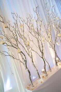34 Perfect and Romantic Winter Wedding Branch Centerpiece - Dekoration - hochzeit Winter Wedding Decorations, Wedding Reception Centerpieces, Christmas Decorations, Christmas Branches, Branch Centerpieces, Centerpiece Ideas, White Branch Centerpiece, Table Decorations, White Branches