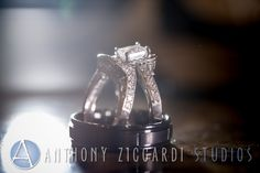 #anthonyziccardistudios #azs #rings #details #clarity #wedding #photos #ringideas