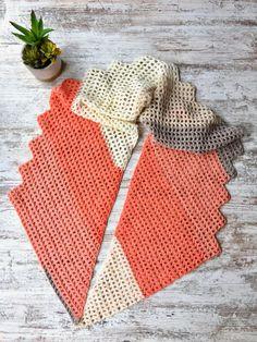 Desert Sands Scarf free crochet pattern made with 1 Caron Cake! The Desert Sands Scarf is a free crochet pattern made with just 1 Caron Cake! One Skein Crochet, Manta Crochet, Crochet Scarves, Crochet Shawl, Crochet Clothes, Crochet Hooks, Free Crochet, Double Crochet, Simple Crochet