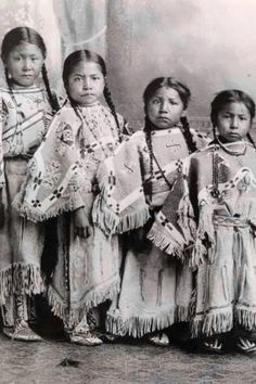Lakota girls| Native Americans
