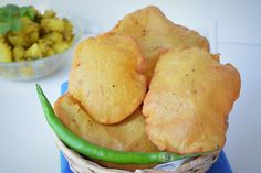 Deep fried puffed pooris prepared by combining amaranth flour with boiled potatoes and spices. #poori #vratpoori #navratri #navratrifood #navratrirecipes #vratfood #vrat #fasting #fastingfood #amaranth #amaranthflour