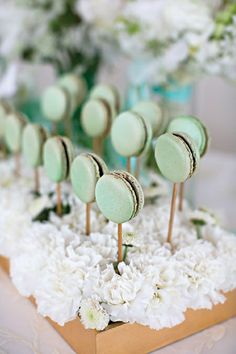 mint green and peach wedding inspiration - wedding ideas - Wedding Desserts, Wedding Favours, Wedding Gifts, Wedding Decorations, Macaroons Wedding, Stage Decorations, Deco Baby Shower, Bridal Shower, Table Presentation