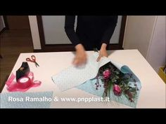 How do you wrap a small bouquet quickly #wrapflowers - YouTube