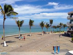 Site Art - by Josef Kandoll - Agent-Pv Seguros (insurance) Malecón Puerto Vallarta, Ocean, Pacifico, Walkboard, walk, playa
