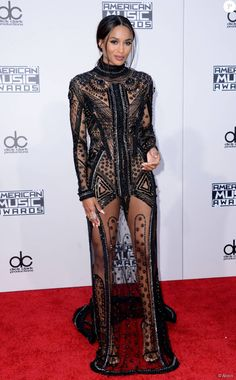 Ciara in Reem Acra sheer gown at the 2015 American Music Awards. Celebrity Red Carpet, Celebrity Style, Kendall Et Kylie, American Music Awards 2015, Sexy Dresses, Nice Dresses, Black Lace Gown, Sheer Gown, Red Carpet Gowns