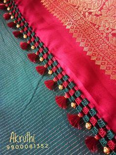 ❤💜💝Follow me on Instagram❣ @imkomal06 💙💚💛💟 Saree Tassels Designs, Saree Kuchu Designs, Silk Saree Blouse Designs, Mehndi Designs, Hand Embroidery Designs, Embroidery Patterns, Cotton Dresses Online, Organza Saree, Fabric Jewelry