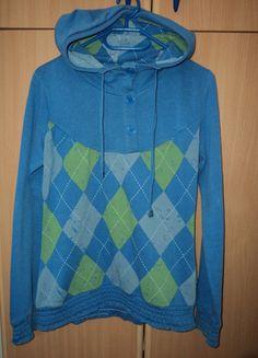 Kupuj mé předměty na #vinted http://www.vinted.cz/damske-obleceni/s-dlouhymi-rukavy/11578360-modra-mikina-s-knofliky-a-vzory