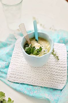 Autumn and Leek and Potato Soup Wine Recipes, Soup Recipes, Yummy Recipes, Cottage Meals, Potato Leek Soup, Meal Planning Printable, Soup And Sandwich, Dessert, Soups And Stews