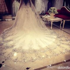 White/Ivory One Tier Gorgeous Sparkly Diamond Lace Appliques Crystals Beaded Cathedral Wedding Veils Long Bridal Veil with Comb Online with $60.31/Piece on Dosmile's Store | DHgate.com