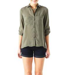 Camisa sedosa, enamorada de esta camisa... Solo web...
