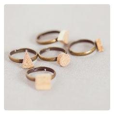 Geometrischer Korken-Ringe // Geometric cork ring by alexascha-handmade via DaWanda.com