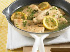 Rezept für Putenschnitzel in Zitronensauce bei Essen und Trinken. Ein Rezept für 2 Personen. Und weitere Rezepte in den Kategorien Geflügel, Getreide, Obst, Hauptspeise, Braten, Italienisch, Einfach, Raffiniert, Schnell.