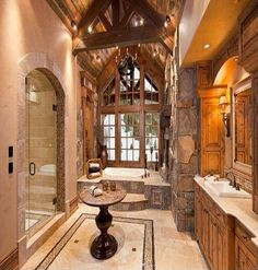 Amazing Rustic Master Bathroom Design Ideas and Photos - Zillow Digs Rustic Master Bathroom, Farmhouse Master Bedroom, Rustic Bathrooms, Small Bathroom, Lodge Bathroom, Tuscan Bathroom, Family Bathroom, Bathroom Wall, Modern Bathroom