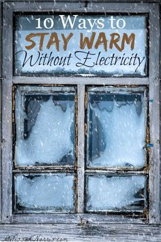 Power outage in winter. Learn these 10 ways to stay warm without electricity. Don't be caught without a way to keep your family warm during winter storm months and power outages. Grab these now and stay warm! Homestead Survival, Camping Survival, Survival Prepping, Survival Skills, Wilderness Survival, Survival Gear, Winter Survival, Survival Supplies, Emergency Supplies