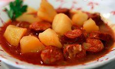 Si algo es español...es el chorizo, y hoy...Patatas a la Riojana. Patatas con chorizo ( Patatas a la riojana )   Receta: http://youtu.be/bn3RzccKR9g