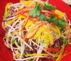 Espaguete de Abrobinha e pupunha com molho thai