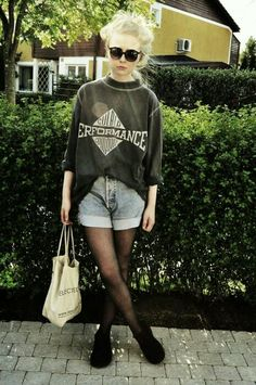 Oversized jumper and shorts x