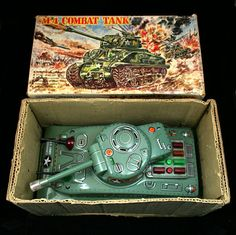 Taiyo Battery Operated 'M4 Combat Tank'. Vintage Tin Tinplate Toy. Made In Japan. c. 1960's. Pic. 1.