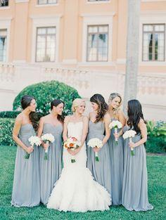Zrób Druhnę na szaro! ...czyli szare sukienki dla Druhen i Świadkowej.  Więcej na blogu Madame Allure.