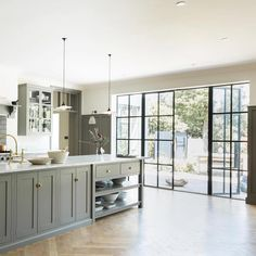 Kitchen inspiration by DeVol Kitchens Kitchen Doors, Open Plan Kitchen, Country Kitchen, Kitchen Cabinets, Devol Kitchens, Home Kitchens, Crittal Doors, Crittall Windows, Kitchen Diner Extension