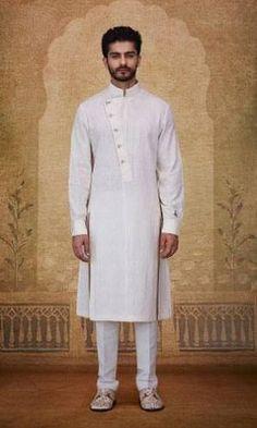 30 Outfits men can wear at an Indian Wedding Kurta Pajama Men, Kurta Men, Boys Kurta, Pathani Suit Men, Pathani Kurta, Kids Fashion Boy, Trendy Fashion, Indian Men Fashion, Mens Fashion