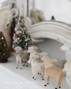 Some of my gorgeous putz sheep! Anyone else obsessed with them? What is it that they make my heart beat faster? 😱🌲