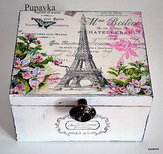 Eifellovka in den Rosen gegründet / Pupavkashop - Decoupage Decoupage Box, Decoupage Vintage, Painted Boxes, Wooden Boxes, Deco Paris, Shabby Chic Crafts, Altered Boxes, Vintage Box, Craft Box