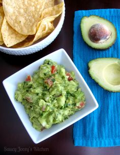 Saucy Jocey's Kitchen: Guacamole Strict Diet, Types Of Food, Memorial Day, Guacamole, A Food, Bbq, Mexican, Yummy Food, Vegan