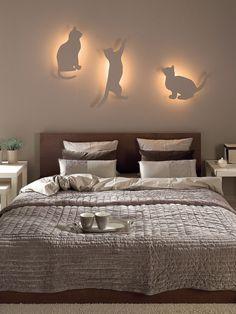 <p>Nasza propozycja przeznaczona jest dla tych, którzy chcieliby nadać swojej sypialni więcej przytulności i uroku, a jednocześnie zapewnić delikatne oświetlenie nad łóżkiem. Zobacz, jak to zrobić.</p>