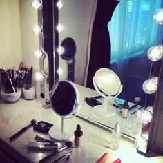 Hollywood vanity.. I'm so in luv w/ them I might try to make my own
