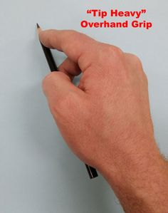 Learn how to hold a pencil for drawing. Implement these grips in your drawing and watch your drawings improve. Handwriting Classes, Penmanship Practice, Improve Your Handwriting, Handwriting Analysis, Nice Handwriting, Drawing Techniques, Drawing Tips, Teaching Drawing, Teaching Art
