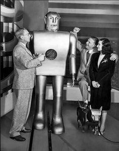 Electro & Sparko. Early robots.
