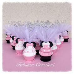 Cupcake con orecchie di minnie http://fabulartcreazioni.blogspot.it/