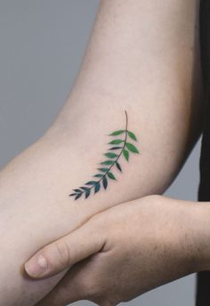 The Best Palm Tattoos – Rize Beautiful Small Tattoos, Pretty Tattoos, Sexy Tattoos, Girl Tattoos, Sleeve Tattoos, Tattoos For Women, Tatoos, Palm Tattoos, Ankle Tattoos