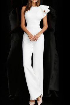 49 New Ideas For Bridal Jumpsuit White Fashion Classy Outfits, Chic Outfits, Fashion Outfits, Informal Wedding Dresses, Elegant Dresses, Informal Weddings, White Outfits For Women, Clothes For Women, White Jumpsuit Formal