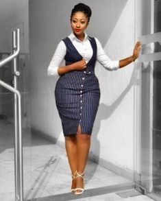 Corporate styles Dresses: Ckeck out 25 Corporate Fashion Styles For office work Office Wear Dresses, Best Casual Dresses, Office Outfits, Classy Work Outfits, Classy Dress, Classy Lady, Classy Women, Latest African Fashion Dresses, Latest Fashion
