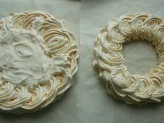 Tort bezowy z kremem cytrynowym i borówkami – KuchniaMniam Pavlova, Sugar, Cookies, Baking, Food, Ann, Biscuits, Bread Making, Meal