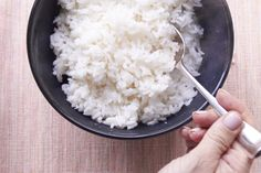 All it takes to know How to Cook Perfect Rice on the Stove—finally get over your rice fear and get fluffy, non-sticky white grains every time Cook Rice On Stove, Rice In The Microwave, Rice On The Stove, Perfect Brown Rice, Perfect Quinoa, How To Reheat Rice, How To Cook Rice, White Rice Recipes, Rice Recipes For Dinner