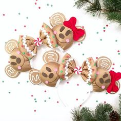 Make your Disney vacation extra special with these handmade Gingerbread inspired Magic Mouse Ears. Ideal for the Disney lover in everyone. Great gift idea for anyone who loves Disney and the Holidays. Diy Disney Ears, Disney Mickey Ears, Disney Bows, Disney Diy, Disney Crafts, Disney Babies, Disney Cruise, Disney Stuff, Crafts For Teens To Make